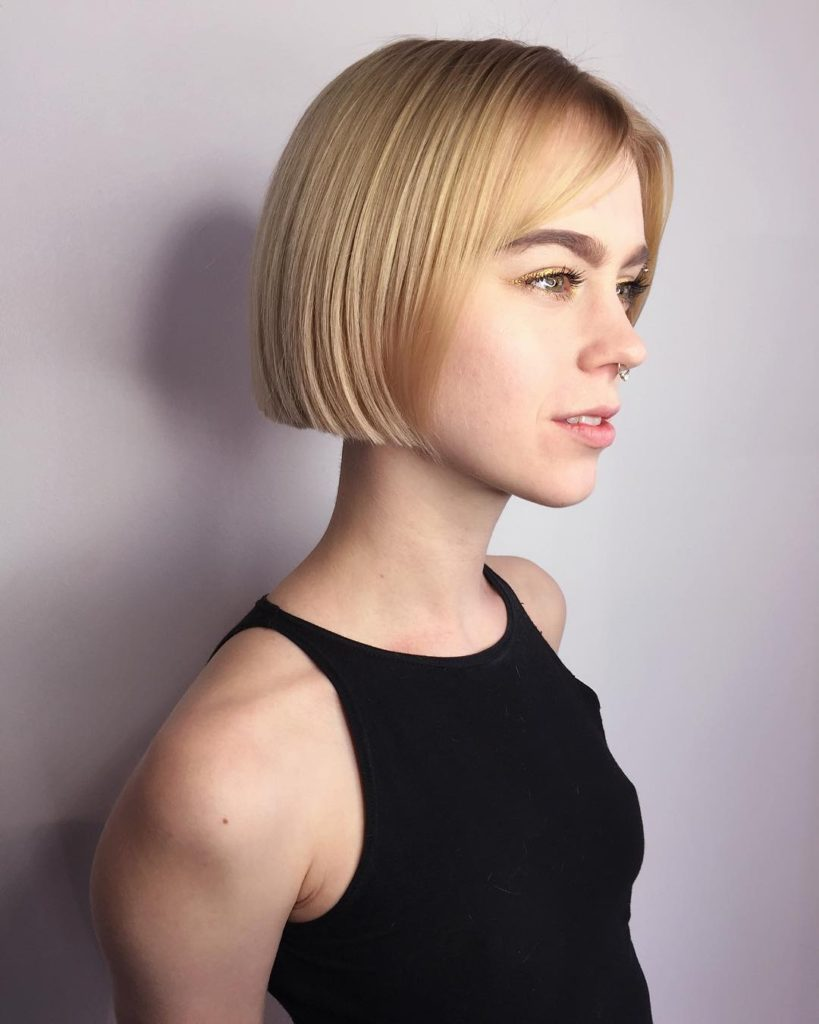 Short Blonde Blunt Bob with Parted Bangs Short Hairstyle