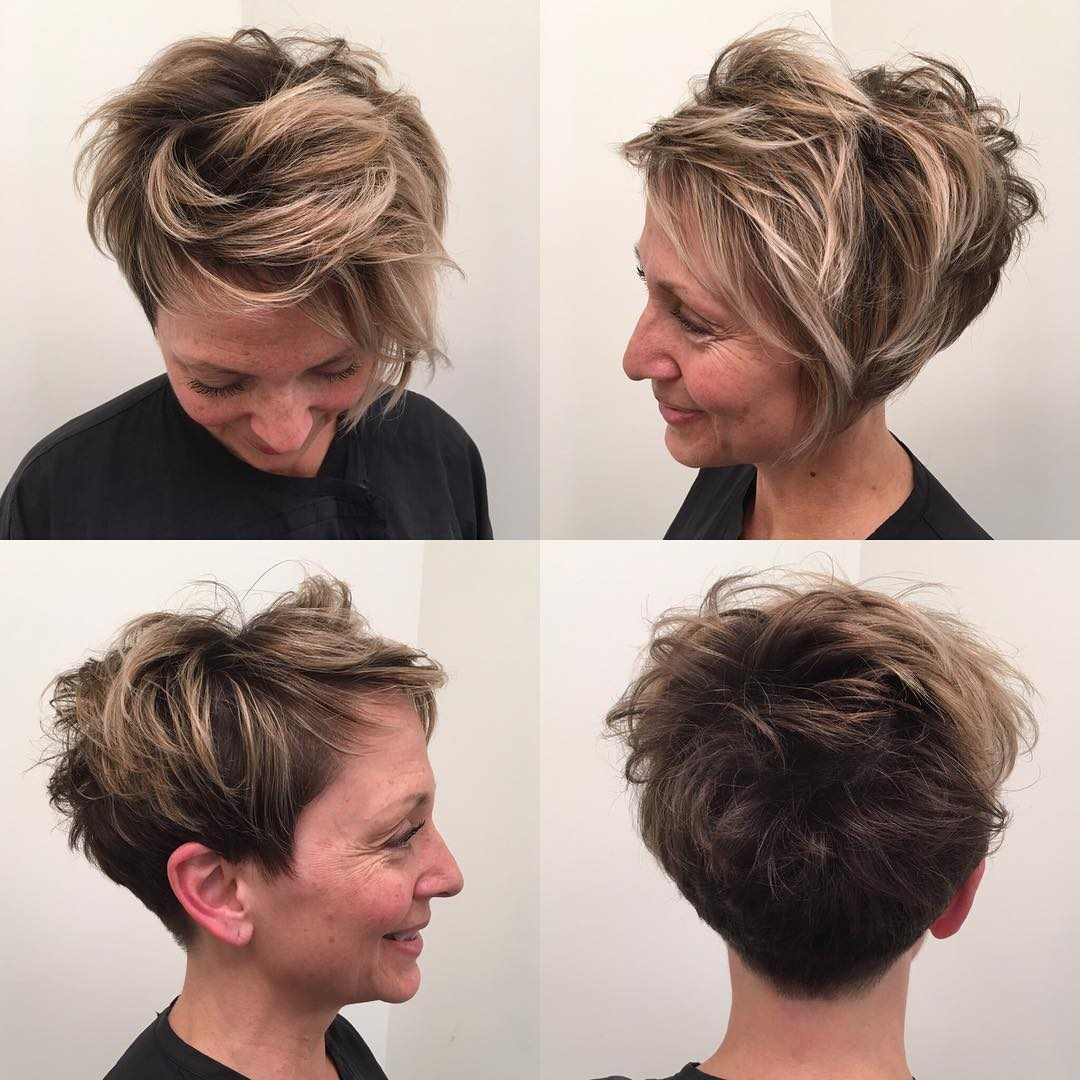 Biased Crop with Undone Texture and Blonde Highlights Short Hairstyle