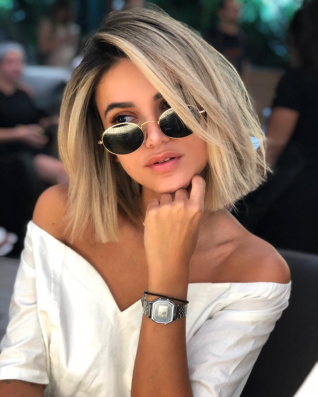 Blonde Blunt Bob with Straight Messy Beach Texture and Shadow Roots Medium Length Summer Hairstyle