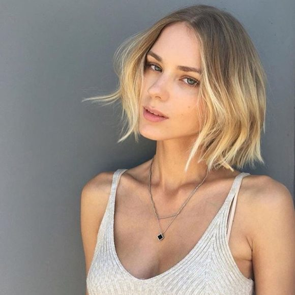 Blonde Center Parted Ombre Textured Bob Short Hairstyle