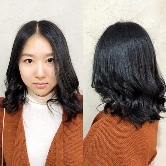 Dark Soft Blend Lob with Center Part and Wavy Texture Medium Length Hairstyle