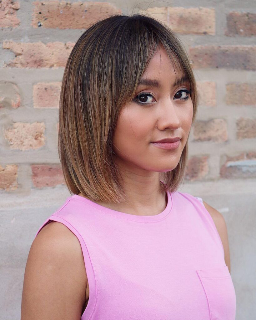 Straight Classic Lob with Curtain Bangs and Bronde Hair Color with Subtle Shadow Roots Medium Length Summer Hairstyle