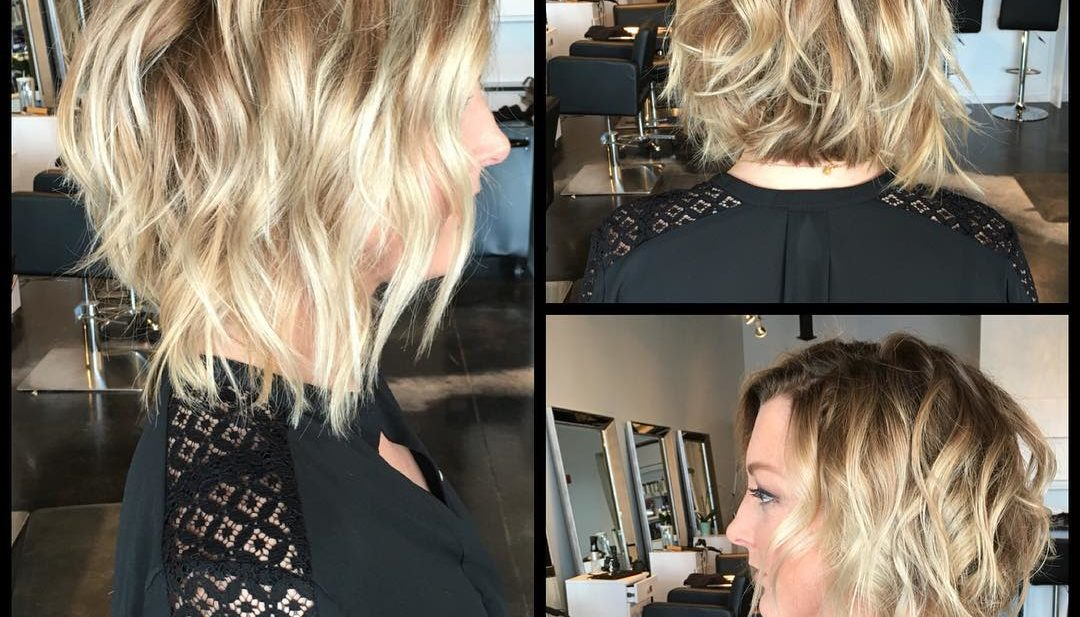 Textured Blonde Bob with Messy Waves and Highlights Medium Length Hairstyle