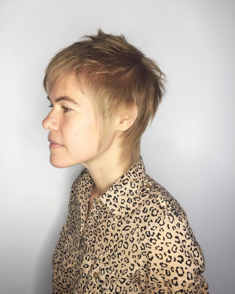Modern Shaggy Mullet with Blonde Color and Choppy Bangs Short Hairstyle