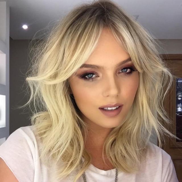 Sexy Shaggy Blonde Layered Updated Farrah Blowout Cut